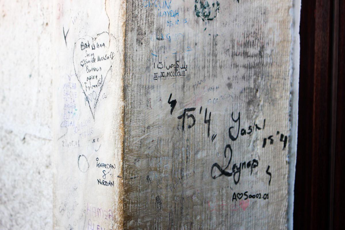 galata-kulesi-duvar-yazilari-gezenticiftcom