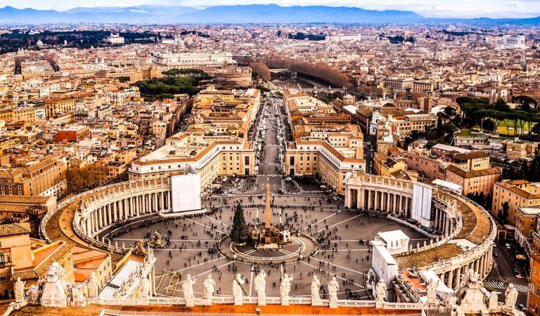 Vatikan: Hristiyanlığın Merkezine Seyahat