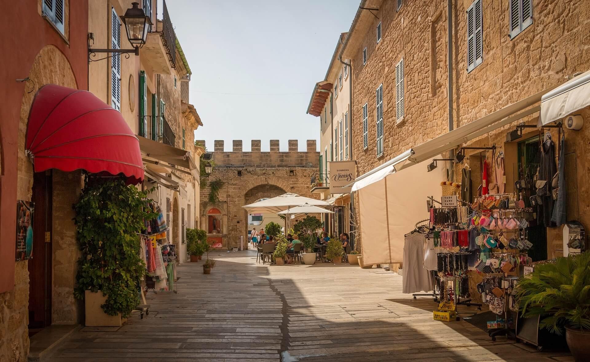 Mallorca, ada (İspanya) ya da Bilet için bir masal