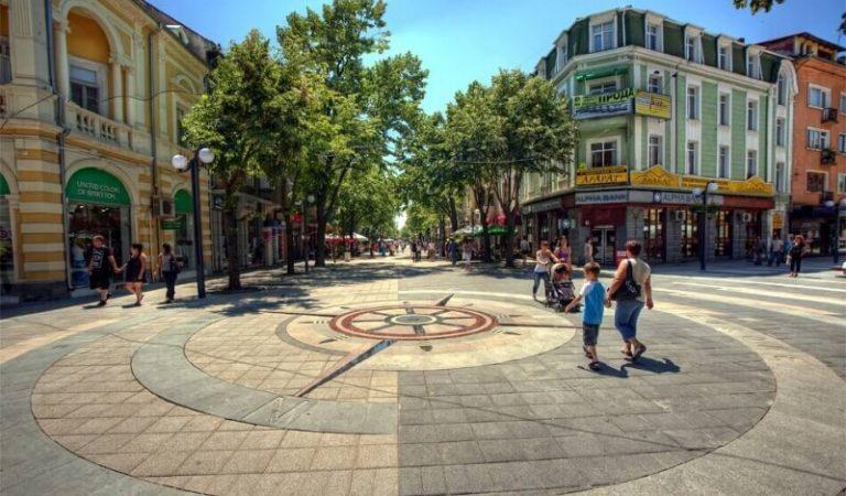 Burgaz | Bembeyaz Sahilleri ile Keyifli Bir Tatil Kasabası